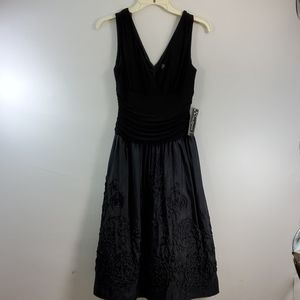 JESSICA HOWARD BLACK EVENING GOWN SIZE 4